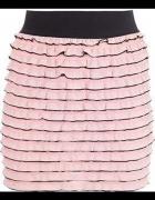 Różowa pudrowa spódniczka