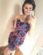 Kolorowa sukienka gorsetowa