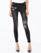 Mohito jeansy skinny z naszywkami
