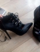 Czarne pełne wiązane szpilki nowa kolekcja deezee