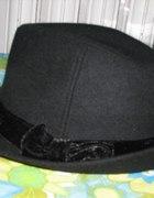 czarny kapelusz jesienny Terranova...