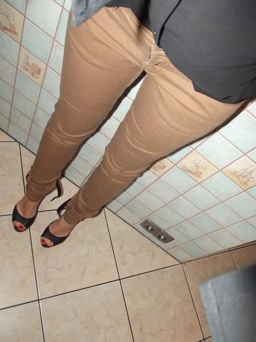 Spodnie Piaskowe rurki Cropp S nowe