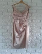 Pudrowa sukienka ołówkowa 38 M