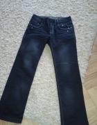 Ciemne męskie jeansy