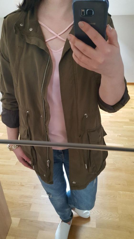 Odzież wierzchnia Parka Bershka kurtka khaki militarny styl