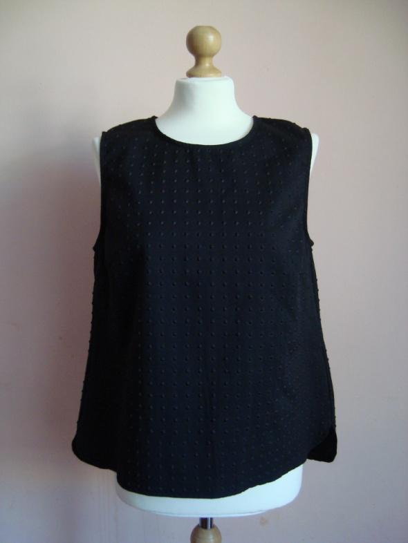 Bluzki Czarna klasyczna bluzka tłoczone wzory New Look