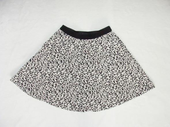 Spódnice Reserved rozkloszowana zwiewna spódniczka 36 S