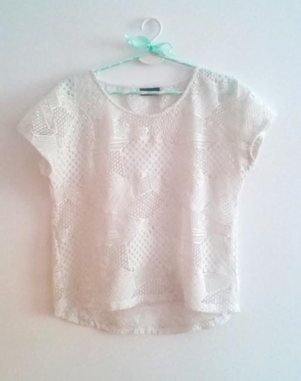 Bluzki Piękna koronkowa biała bluzka oversize C&A