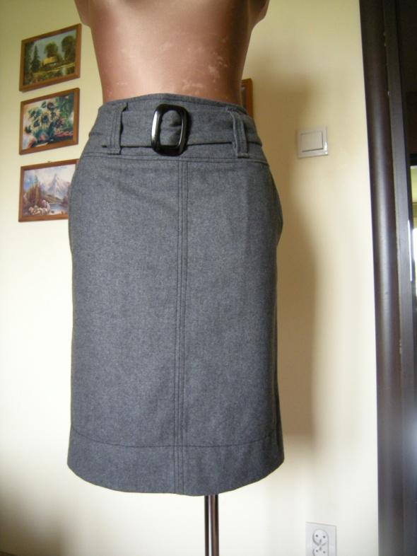 szara ciepła ołowkowa spódniczka 38