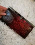 Piękny bordowo czarny portfel