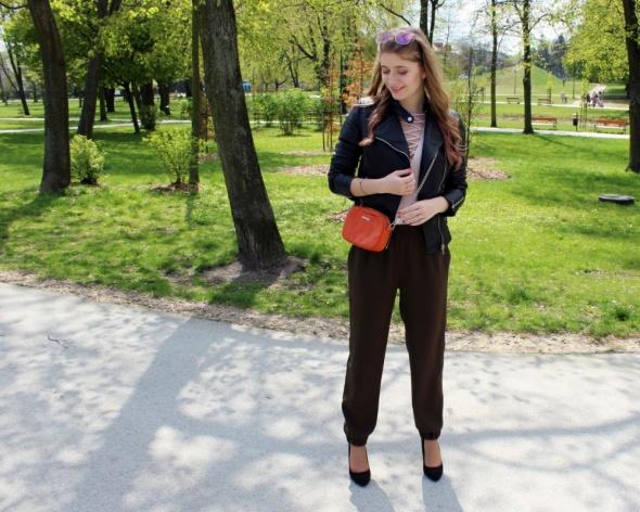 Blogerek Luźne spodnie