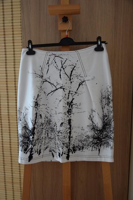 Spódnice Piękna biała spódnica z czarnymi wzorami