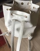 modny plecaczek worek wiązany z frędzlami atmosphe
