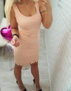 prążkowana szarpana sukienka...