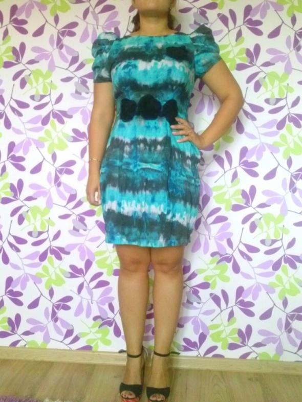 Suknie i sukienki Sukienka z bufkami