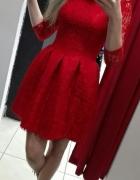 Czerwona koronkowa xs