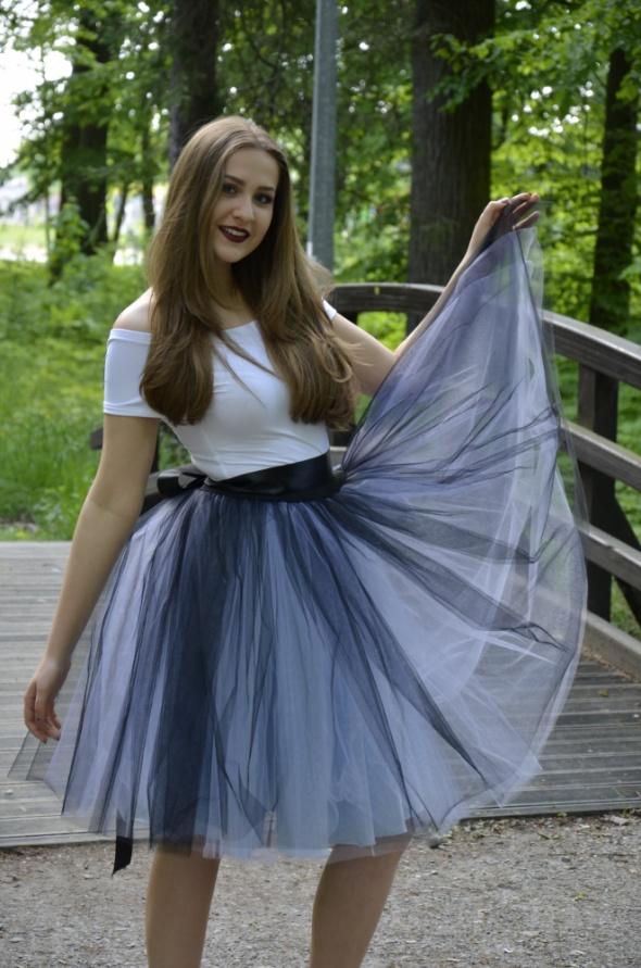 Spódnica Tiulowa Rozkloszowana Gumka Tiul Midi w Spódnice
