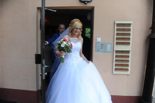 piękna suknia ślubna princeska tiulowa