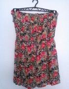 sukienka florla w roze kwiaty zwiewna falbanki