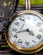 Śliczny zegarek na łańcuszku MOTYLE