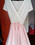 Sukienka rozkloszowana elegancka biel blady róż