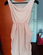 Elegancka letnia sukienka mgiełka blady róż łosoś