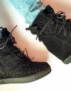 sneakersy czarne khaki