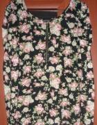 Czarna tunika w modne kwiaty
