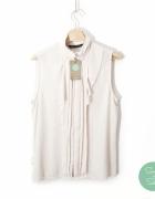 Elegancka bluzka z żabotem