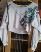 Krótka bluza z motywem kwiata