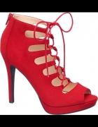 Czerwone szpilki Graceland