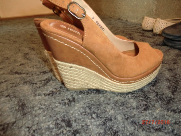 Koturny Rude wysokie sandały koturny 35 CCC