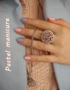 Pastel manicure...