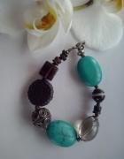 kolorowa bransoleta z kamieniami