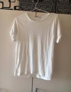 Biała bluzka z wytłaczanym białym wzorem atmospher