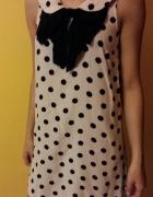 Kremowa sukienka w kropki