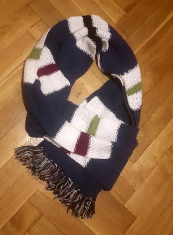 Długi zimowy ręcznie robiony szal 170 cm
