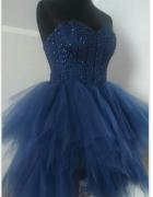 Rozkloszowana sukienka princesska