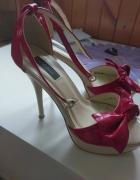 Czerwone sandały 35 r