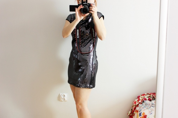 Suknie i sukienki Cekinowa sukienka Next
