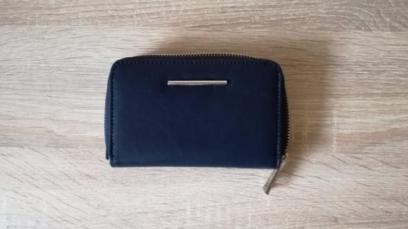 4a80c1a33668b śliczny portfel mały granatowy reserved w Portfele - Szafa.pl
