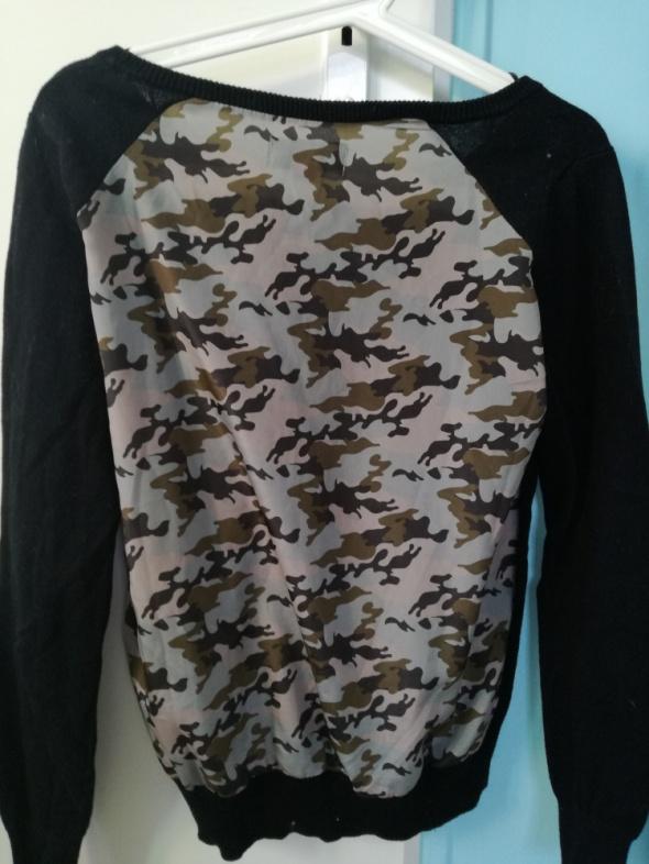 Swetry Czarny sweter z ozdabianym tyłem