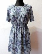 zwiewna rozkloszowana sukienka r S