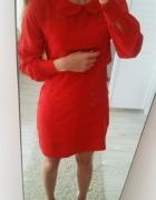 Czerwona sukienka falbany Cubus