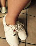 Białe tenisówki sportowe obuwie na lato...