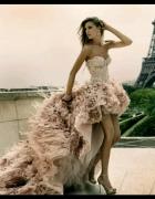 Piękna suknia asymetryczna falbanki długi ogon