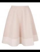 Rozkloszowana pikowana spódnica spódniczka nude M