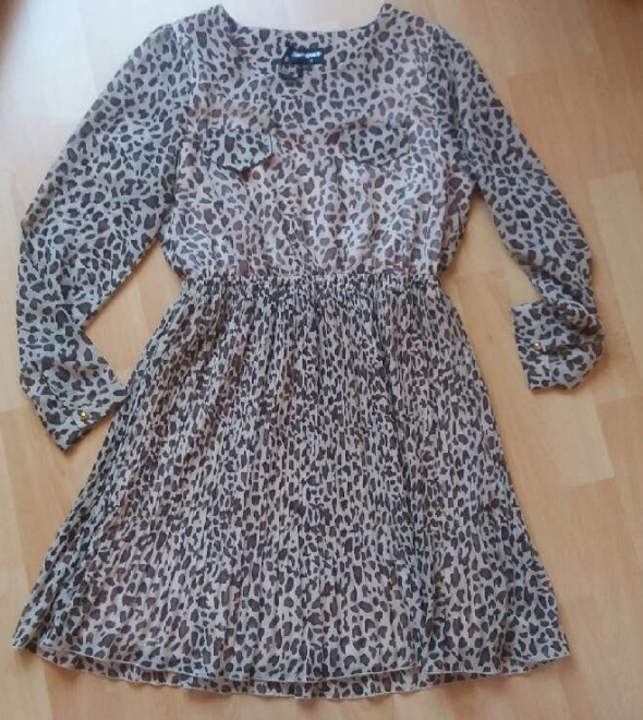 Suknie i sukienki Sukienka w panterkę rozkloszowana r M