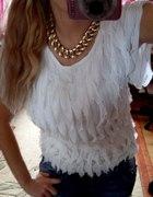Falbanki biała bluzka
