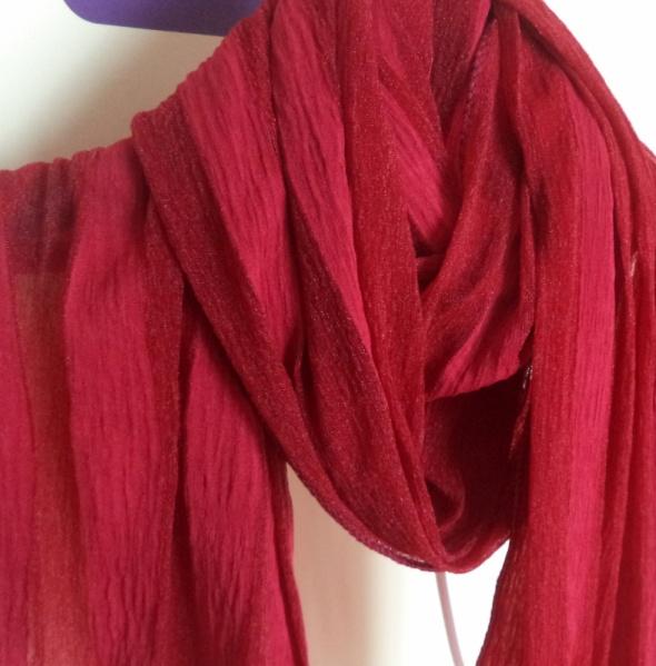 Chusty i apaszki Stylowa apaszka w czerwonym kolorze
